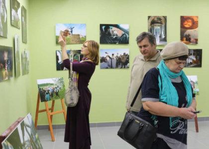 """Телекомпания «КТВ-ЛУЧ» рассказала о выставке в галерее """"Наследие"""""""